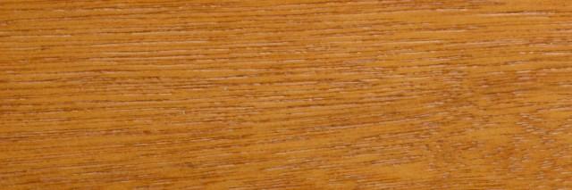 Meranti z widocznym usłojeniem drewna